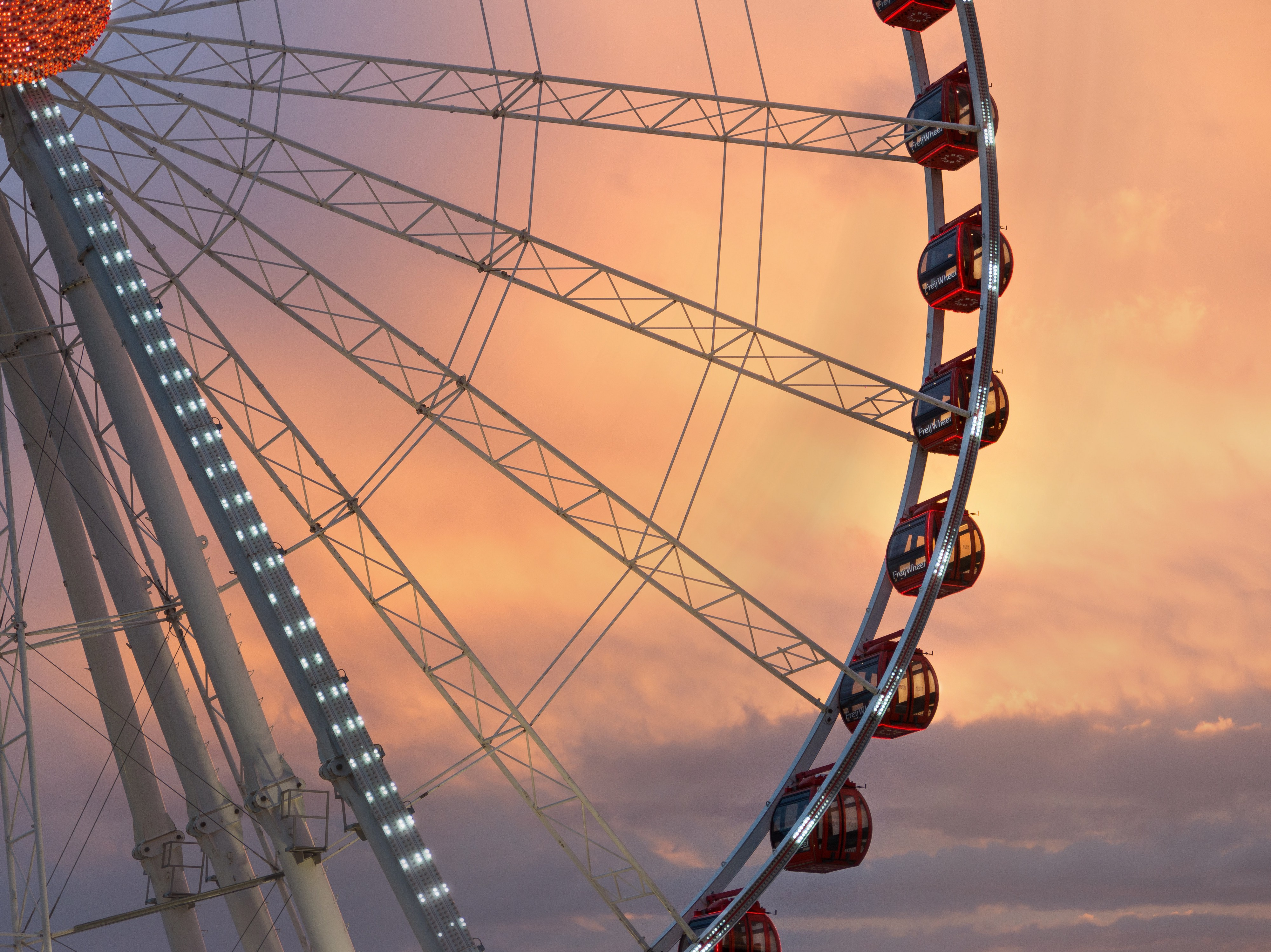 A ferris wheel is an exciting and romantic place to have public sex
