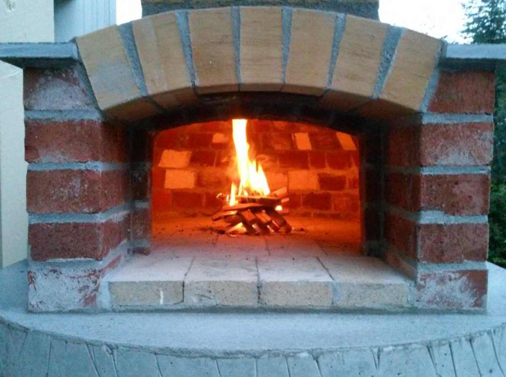 first firing of the wood fired pizza oven