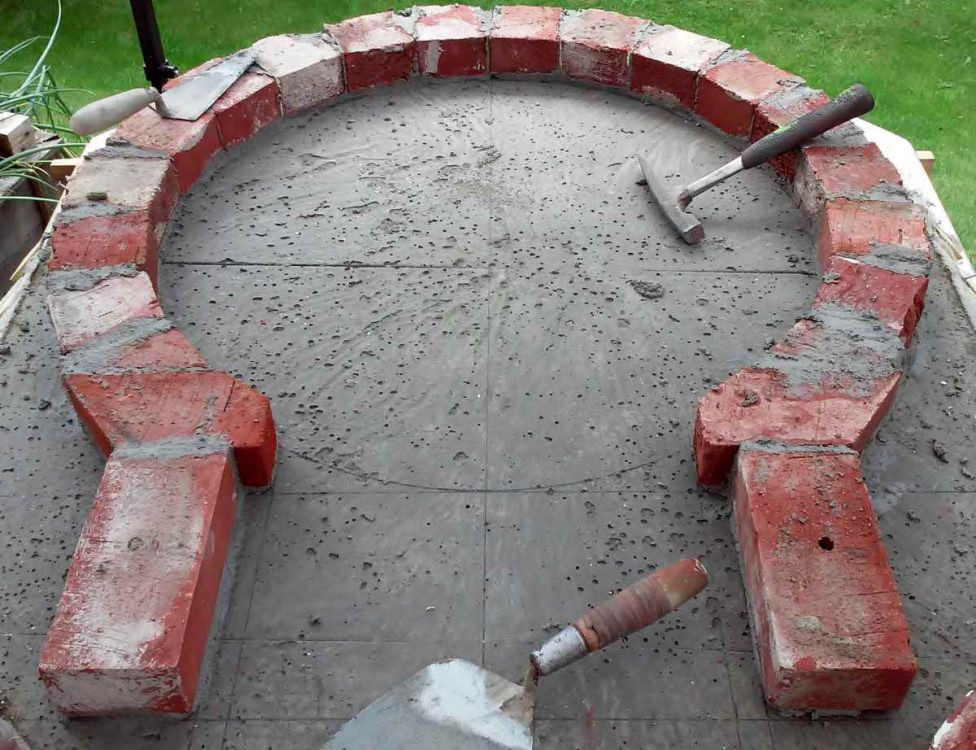 setting out dome of pizza oven