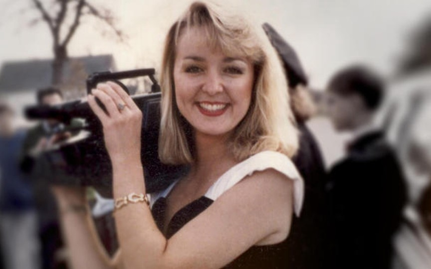 A loved news celebrity, Jodi Huisentruit?s disappearance has haunted Mason City, Iowa, for over two decades.
