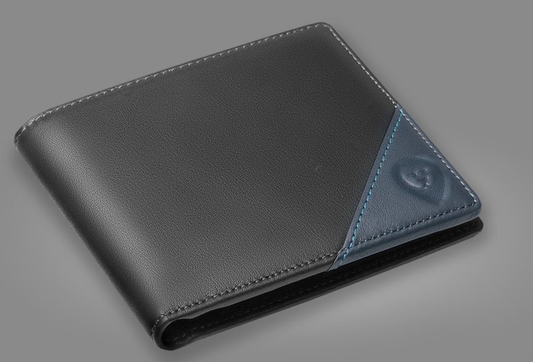 Wallet 2.0 smart wallet. Smart wallets with GPS tracking.