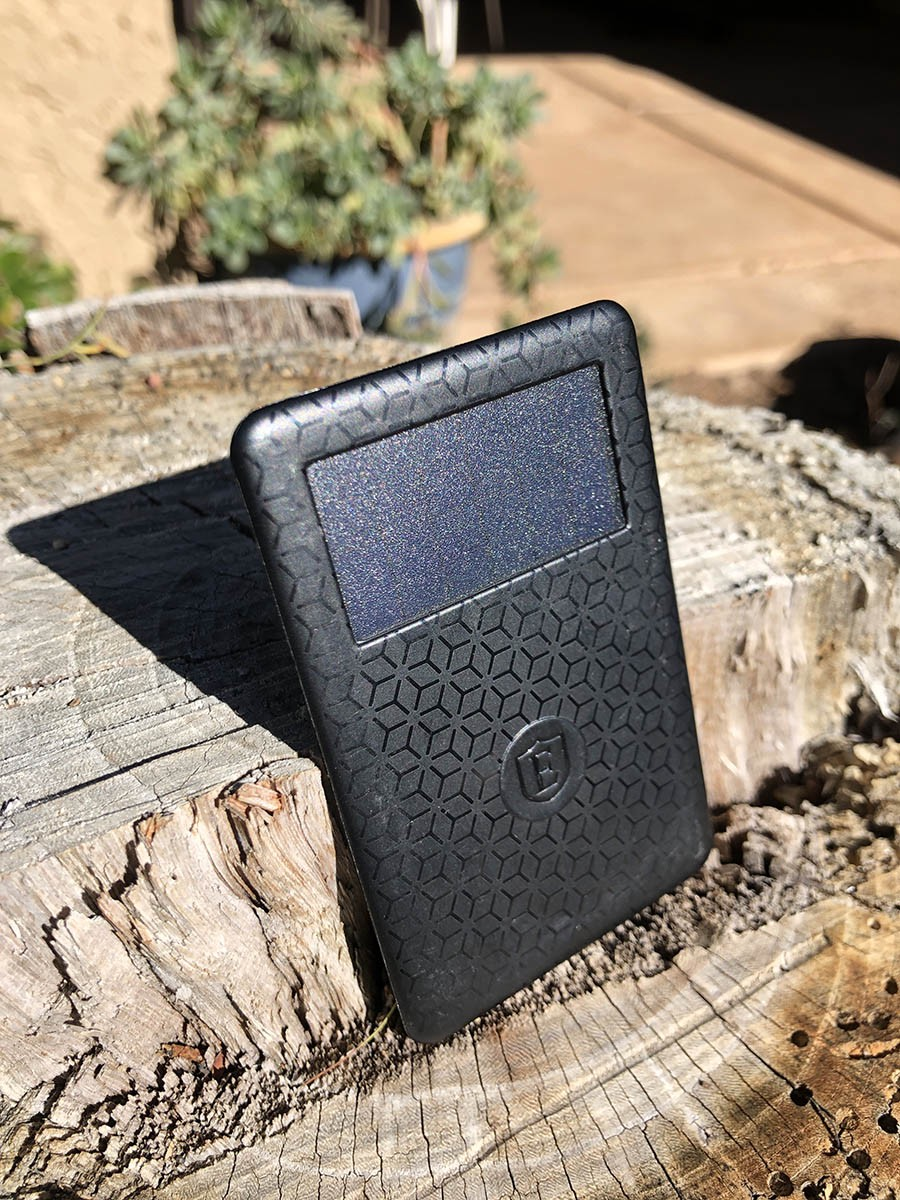 Ekster solar tracking card in sun. Smart wallets with GPS tracking.
