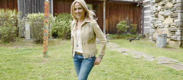 How Sheryl Crow Coped With Her Breast Cancer Diagnosis