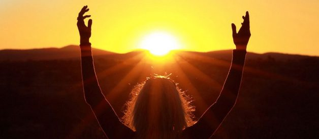 Sun-Gazing: Explore and Empower Yourself with the Healing Powers of the Sun